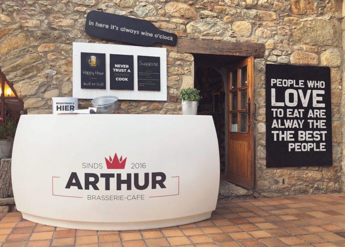 Cocktail Restaurant Mockup - Arthur
